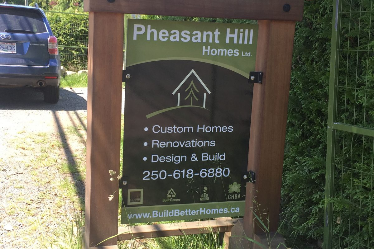 Pheasant Hill Reflective Job Site Sign