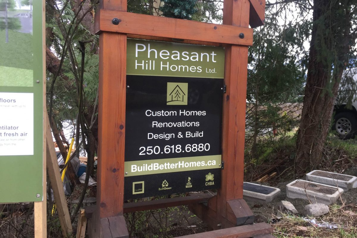 Pheasant Hill Reflective Solid Aluminium Signs 2